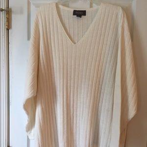 Off white long sleeve lightweight sweater
